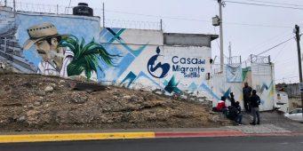 Dan de alta a hondureña que dio a luz en casa del migrante