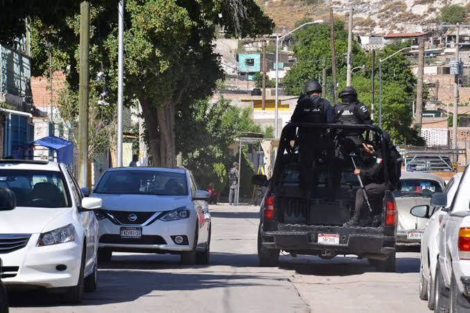 Detienen a 4 en Guerrero por vigilar acciones de corporaciones policiacas