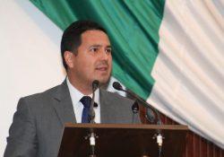 'Se cuelga medalla AMLO por baja de gasolinas': Gerardo Aguado