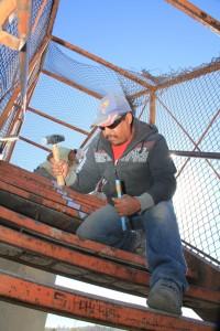 Repara Municipio de Saltillo puente peatonal