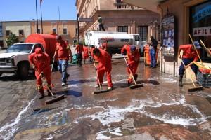 Limpia Municipio calles del centro tras fiesta patronal