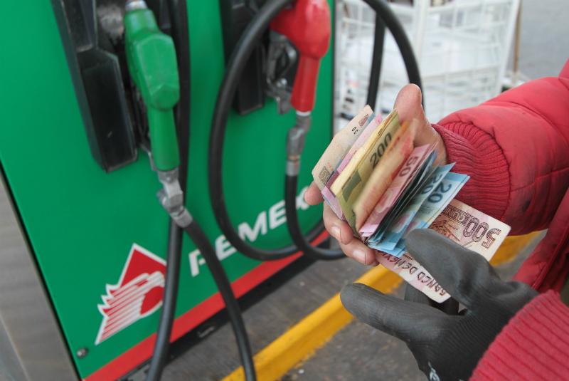 Se mantendrán los precios de las gasolinas de enero en febrero