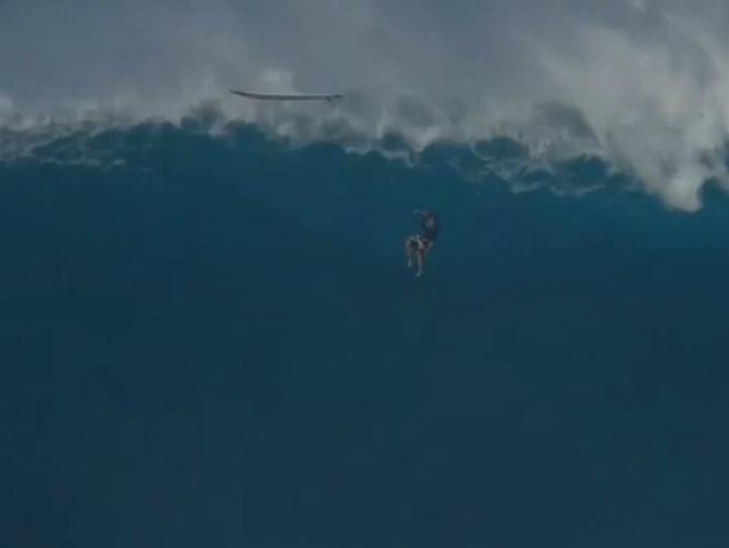 Impactante video revela un brutal accidente de surfing en Hawai