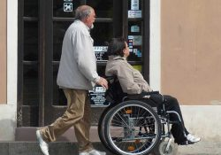 Aparato permitirá que discapacitados caminen utilizando su mente