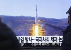 Corea del Norte lanza cohete de largo alcance pese a advertencias
