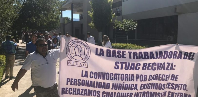 Marchan integrantes del SUTUAC, protestan por convocatoria para dirigente