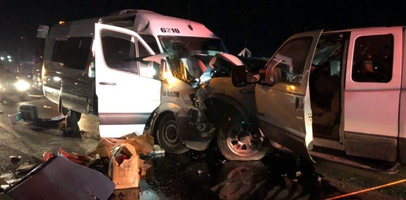 Choque de frente en la antigua Monclova deja un muerto y 13 heridos