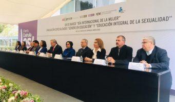 Capacitan a funcionarios para mejorar atención a mujeres vulnerables