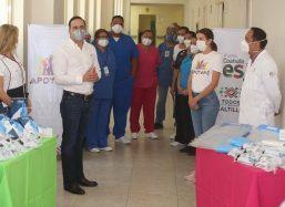 Anuncia Manolo becas escolares para hijos de enfermeras