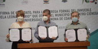 """UAdeC firma convenio para la entrega formal del inmueble Esc. """"Leona Vicario"""" en Cuatro Ciénegas"""