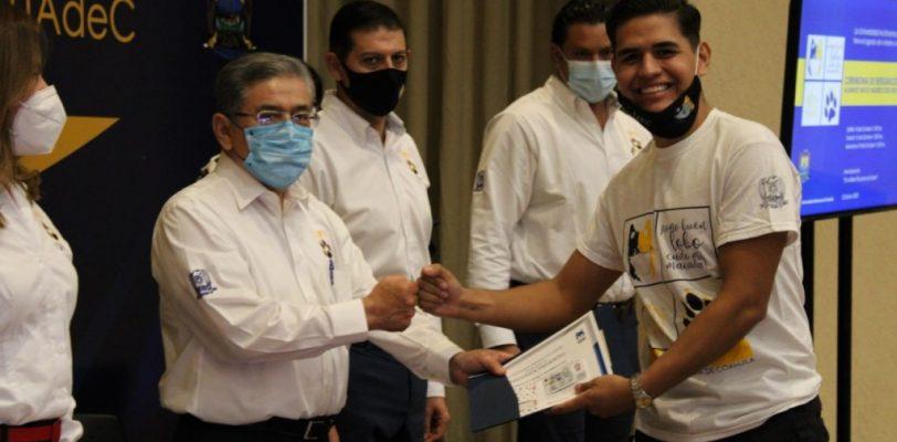 Reconocen a estudiantes de la Unidad Torreón con los puntajes más altos en examen de admisión