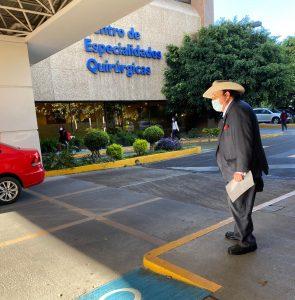 Intervienen quirúrgicamente a Senador Armando Guadiana