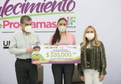 Entregan MARS Y Marcela Gorgón más apoyos a familias Coahuilenses
