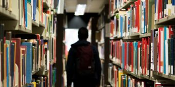 Especialízate en el Análisis Lingüístico de Textos con la Licenciatura en Letras Españolas