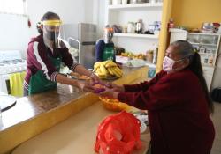 Continúa operando comedores de adultos mayores del DIF Coahuila: Marcela Gorgón