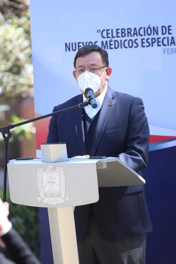 Celebra Hospital Universitario a nuevos Médicos Especialistas