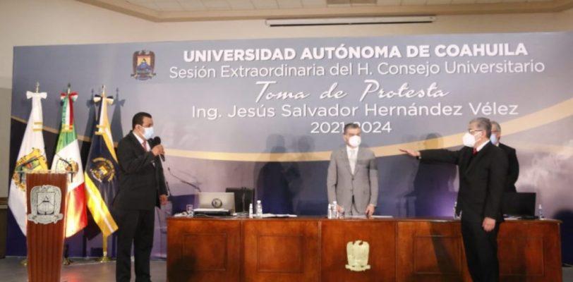 Toma protesta como Rector de la UAdeC Salvador Hernández Vélez para el periodo 2021-2024