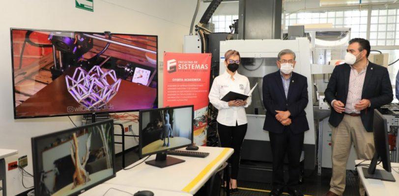 Entrega rector impresora 3D a la Facultad de Sistemas Unidad Saltillo