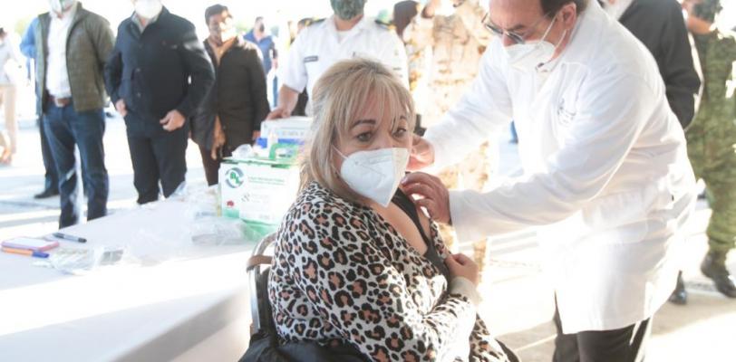 Gracias a la coordinación entre autoridades, inicia con éxito el proceso de vacunación al Sector Educativo en Coahuila: Miguel Riquelme
