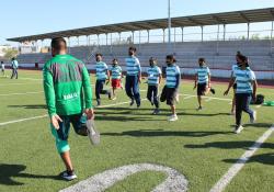 Disfrutan menores de edad del Norte de Coahuila de Clínicas Guerreras, con el Club Santos