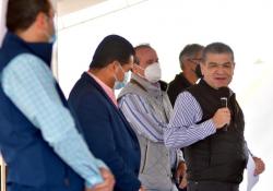 Anuncia Riquelme en Acuña Extensión de la Escuela Normal Experimental de San Juan de Sabinas