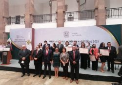 Educación Coahuila premia a sus mejores docentes y directores