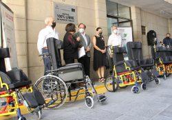 Beneficia Salud Coahuila con sillas con sillas PCI a niñas y niños con parálisis cerebral