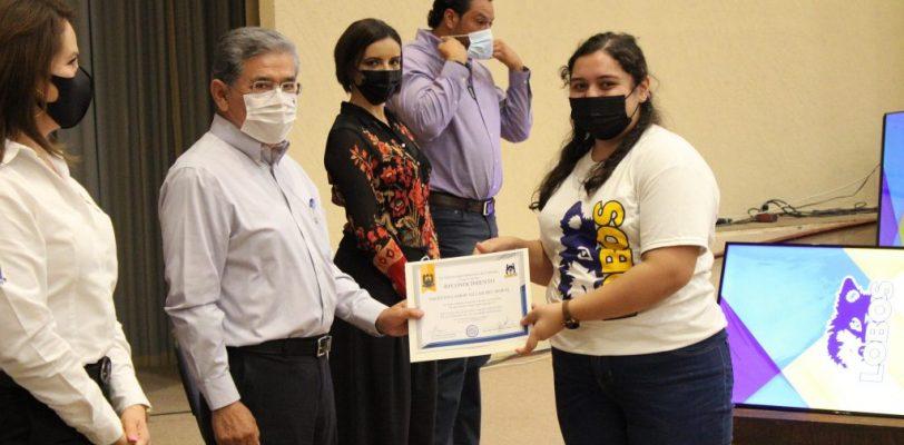 Reconocen a estudiantes de la Unidad Torreón con los puntajes más altos en el Examen de Admisión